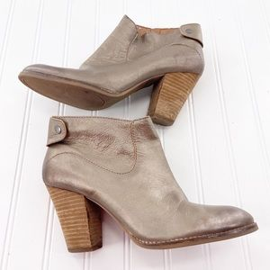 Lucky Brand Ankle Boots size 9.5 Pewter Leather